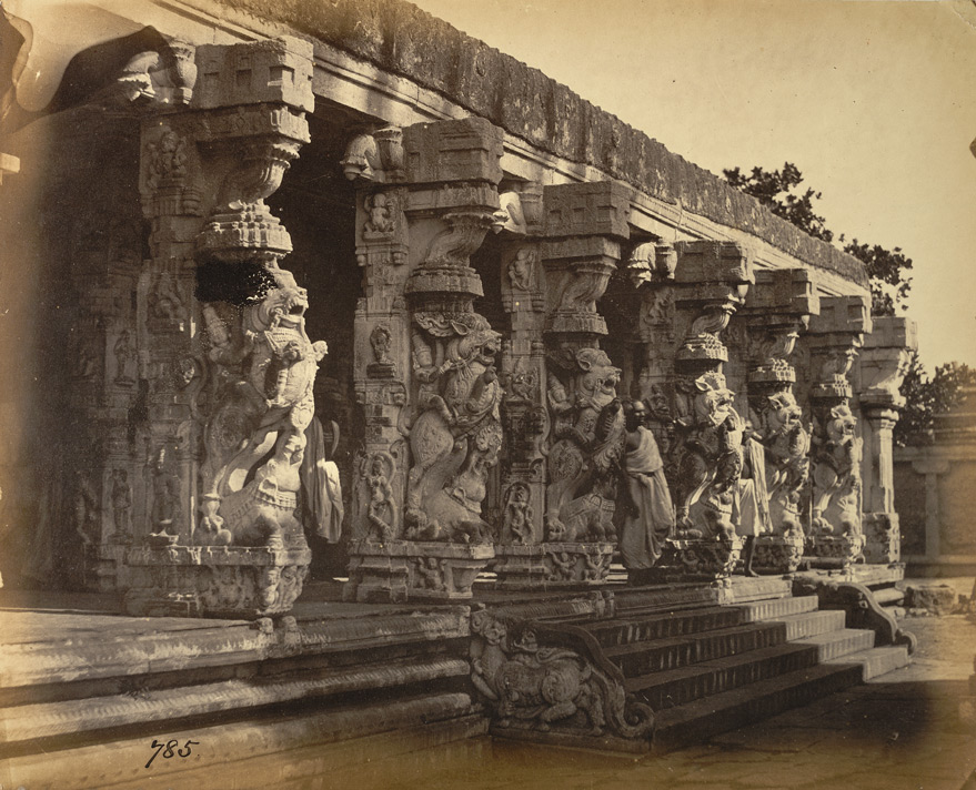 Close view of carved pillars of the mandapa of the Kailasanatha Temple, Tiruchengodu